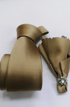 Kravata sa maramicom